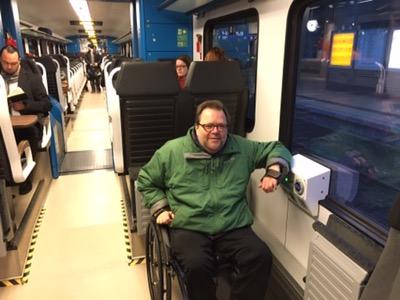 Ansicht des Rollstuhlplatzes im inneren des Zuges