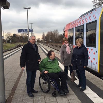 Auf dem Bahnsteig Freinsheim mit Ute Brunner, Regins Schmitt, Werner Schreiner und Matthias Rösch
