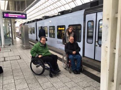 auf dem Bahnsteig in Ludwigshafen Mitte
